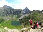 Le lac de Lessy, Au fond à G le Jallouvre, à D le Buclon